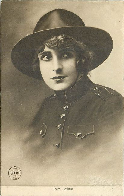 A PATHE Postcard of Pearl White Edwardian Actress