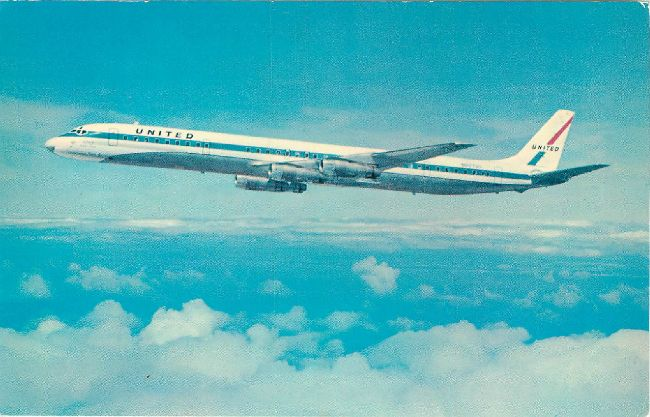 United Airlines Postcard-DC-8