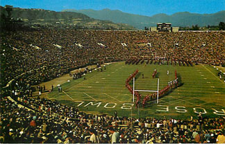 Football Postcard - Between The Halves-Rose Bowl, Pasadena, Cal.