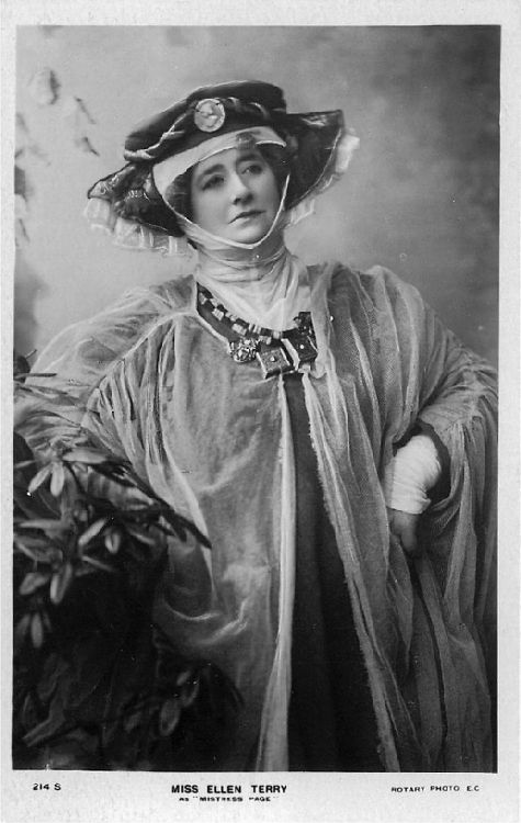 "Miss Ellen Terry as ""Mistress Page"" - No. 214 S Postcard"