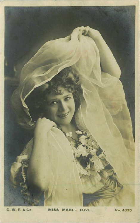 Miss Mabel Love - No. 480 D Postcard