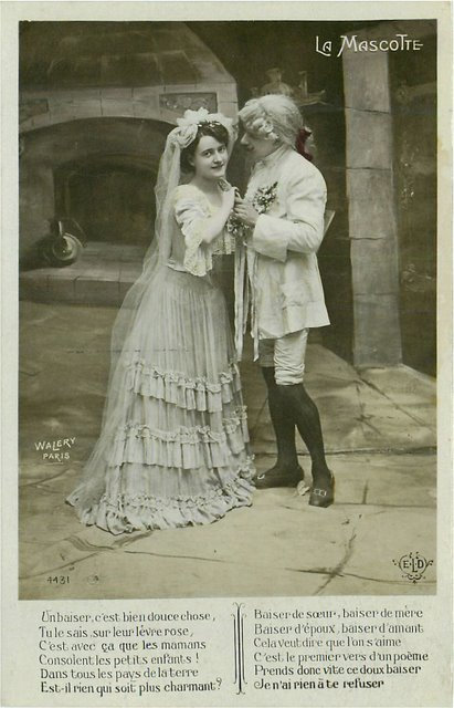 La Mascotte E.L.D. Edwardian Actor Actress Postcard