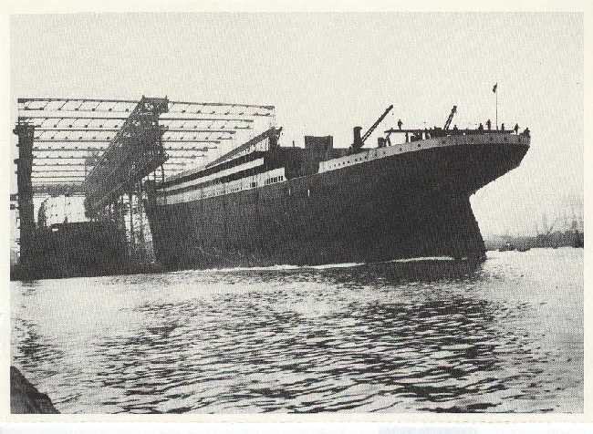 Launching of the Titanic (1911) Reproduction Postcard 1988