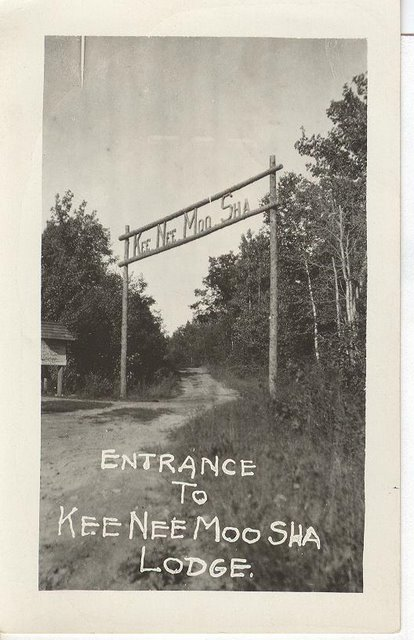 Entrance to Kee Nee Moo Sha Lodge Club Postcard