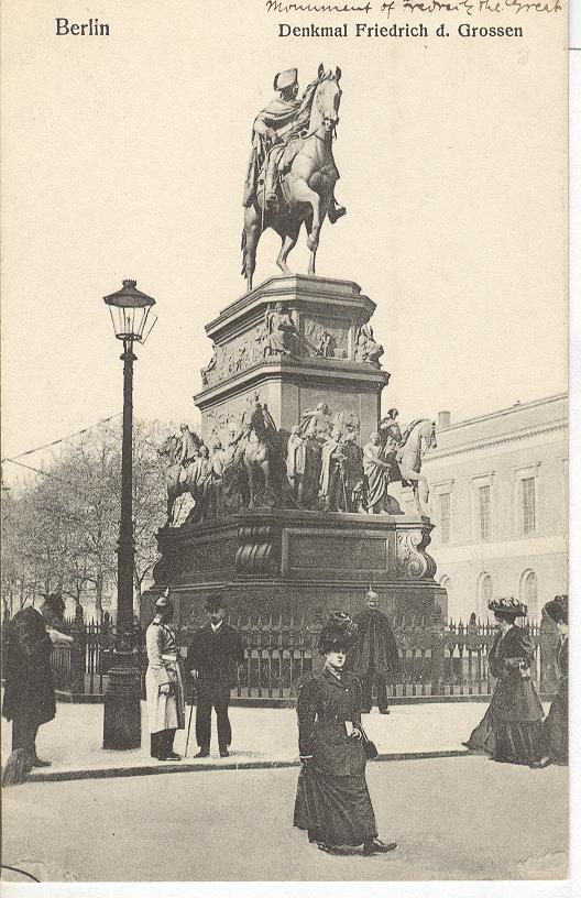 BERLIN Denkmal Friedrich d. Grossen GERMANY POSTCARD