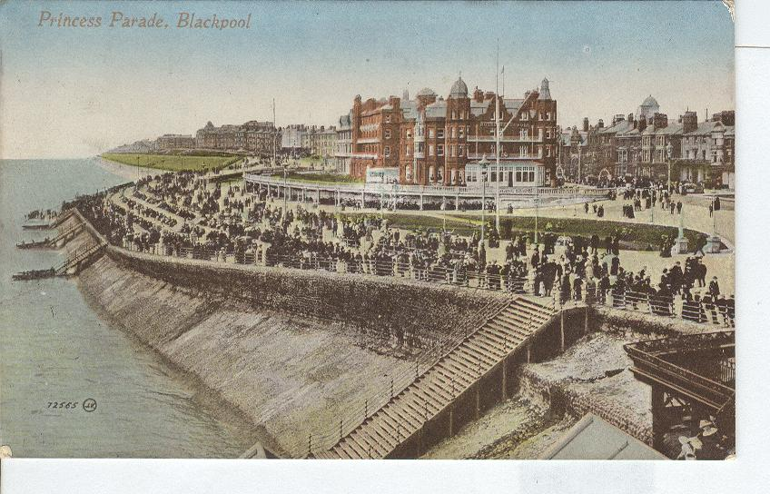 Princess Parade, Black Pool...England - Postcard