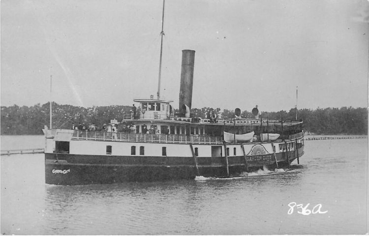"Steamer ""Garden City"" #836a"